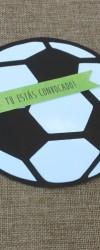 convite de aniversário com a forma de uma bola de futebol