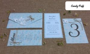 convite, marcador de mesa e ementa para casamento com um tema floral