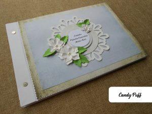 Livro de Honra Primeira Comunhão com um Tema Floral