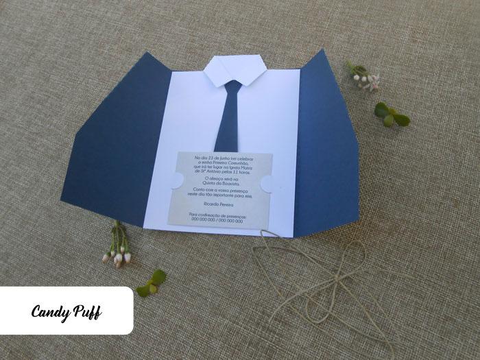 Convites para Comunhão de Rapaz com a forma de uma Casaco